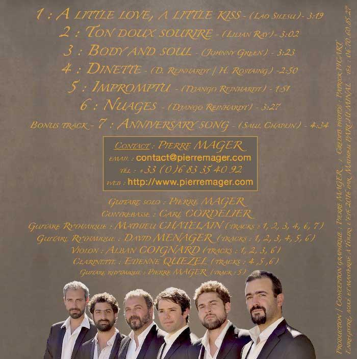 Pierre Mager du groupe de jazz manouche Autour de django présente le verso de son cd paru en 2016.