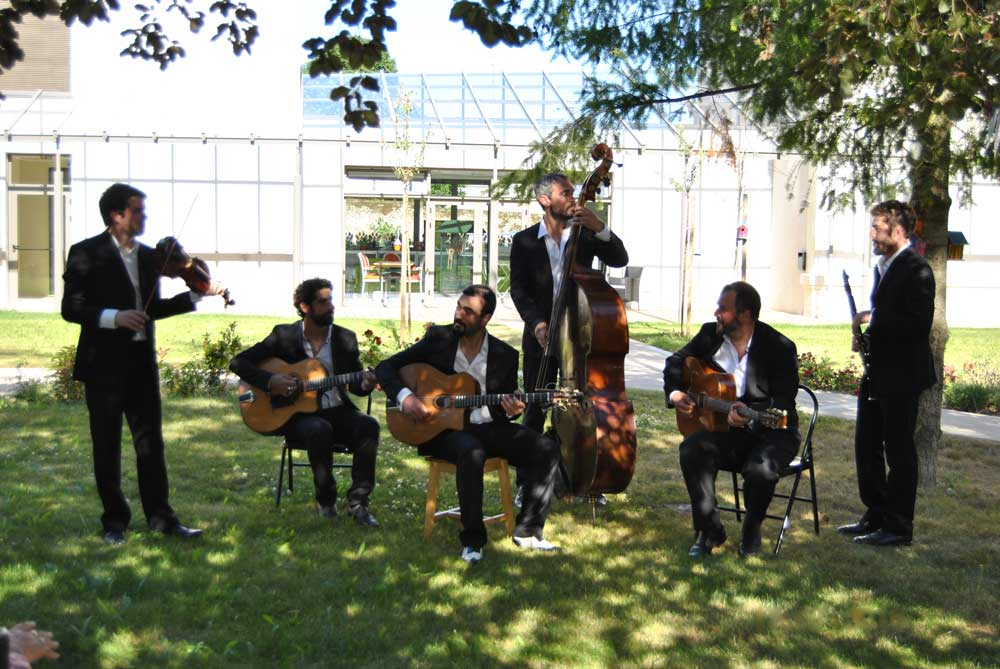 Pierre Mager's gypsy jazz band sextet at ehpad Henri Dunant 2016.