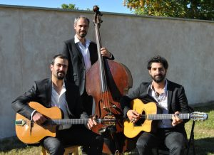 Trio guitars double bass band, Pierre Mager's gypsy jazz band.